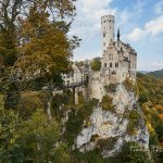 Herbstliche Farben, vorher- nachher Bilder mit/bei der Schloss Lichtenstein. Unterwegs