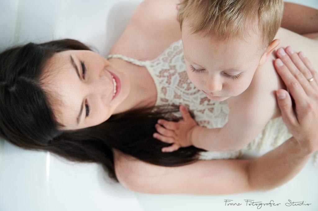 Schwangerschaftsfotos im Bad-Milk
