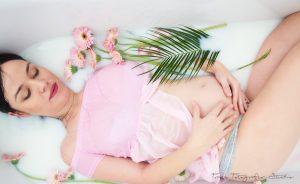 Vorher Nachher Schwangerschaftsfotos im Bad-Milk